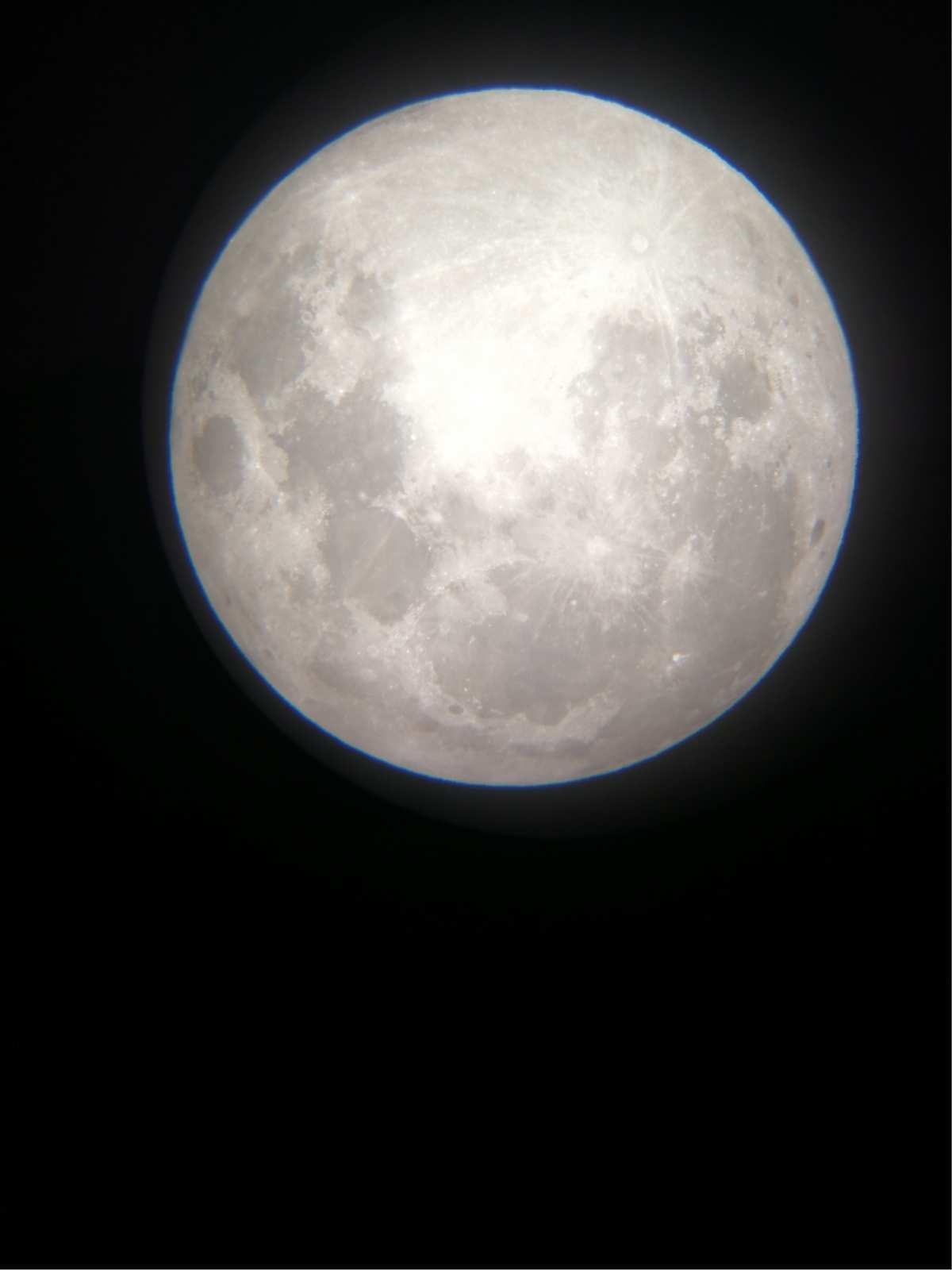 梦到月亮又大又圆又红