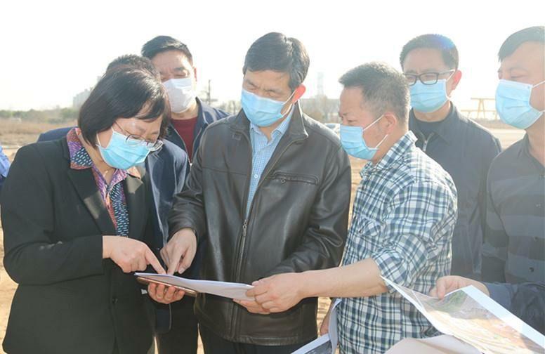 刘三民主任督导标缝厂搬迁工作