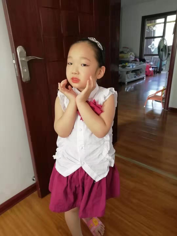 兵工南阳红阳厂子弟5岁许诺参加文艺汇演初现演艺才能