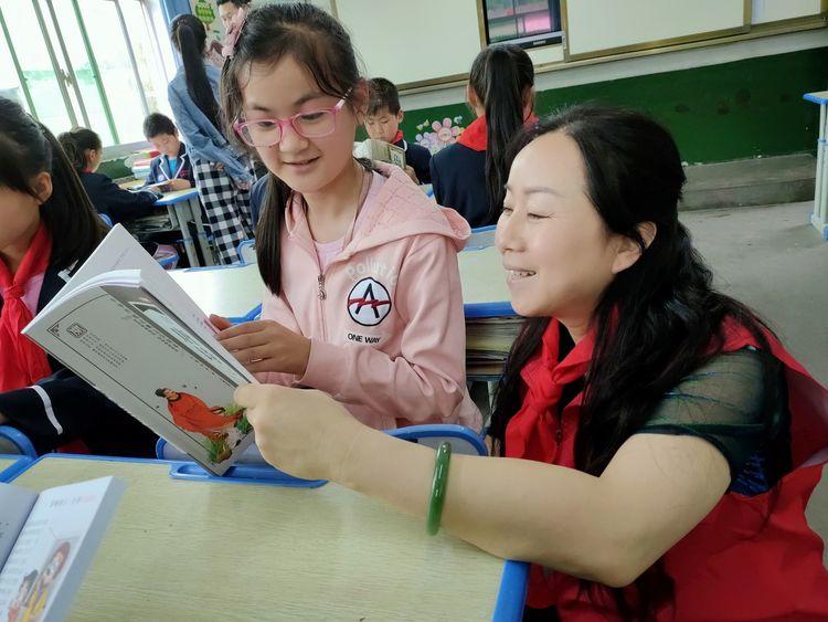 能量书画研究院铜川分院院长何娟妮荣获第五届铜川市道德模范