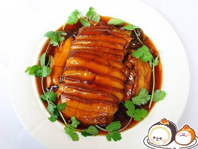 荆州千张扣肉与炸胡椒