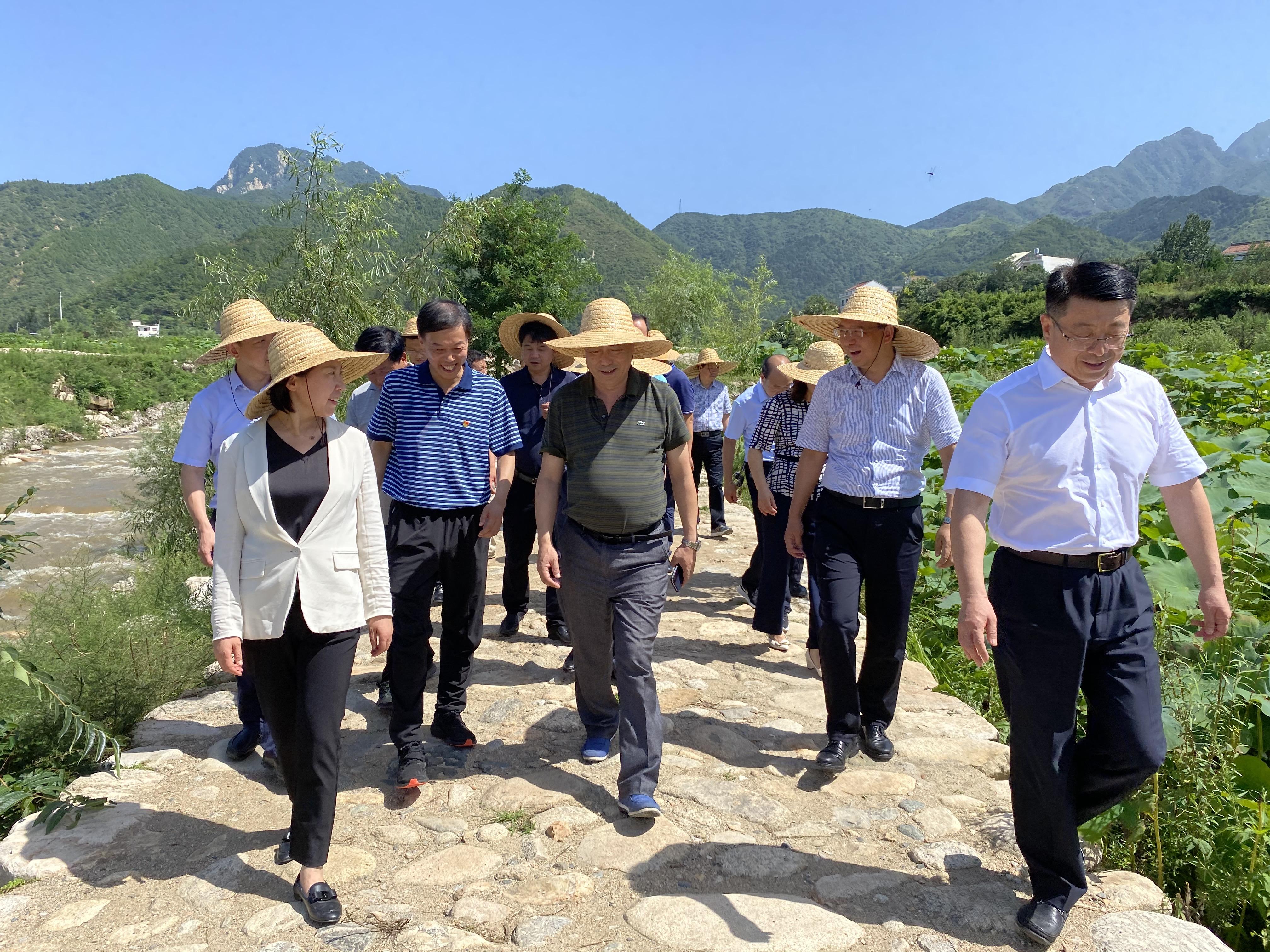 国务院脱贫攻坚督查组到西安城投集团督导检查脱贫攻坚工作