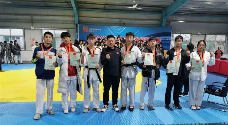 吕梁健儿在全省跆拳道冠军赛摘金夺银喜获佳绩