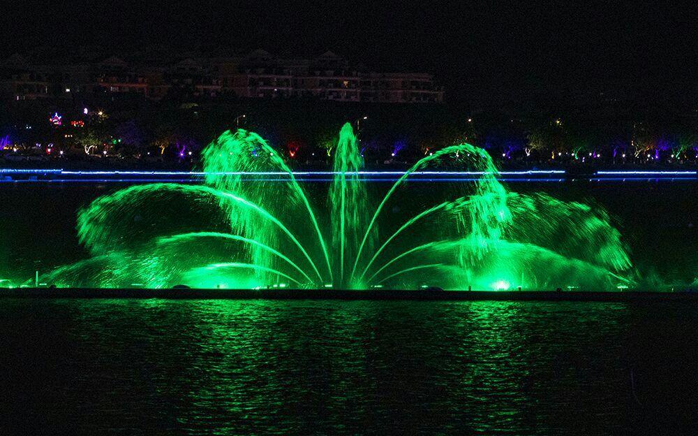 肇庆牌坊广场音乐喷泉升级,美轮美奂