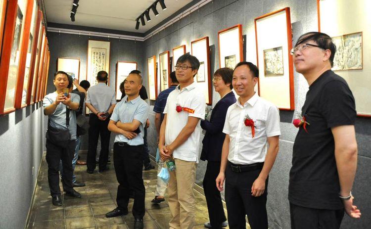 网诗酒田园——肖登元国画展在江苏滨海开幕