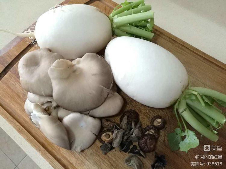 萝卜炖蹄肉汤,配资公司 四川正宗滑肉汤的做法的介绍(图6)